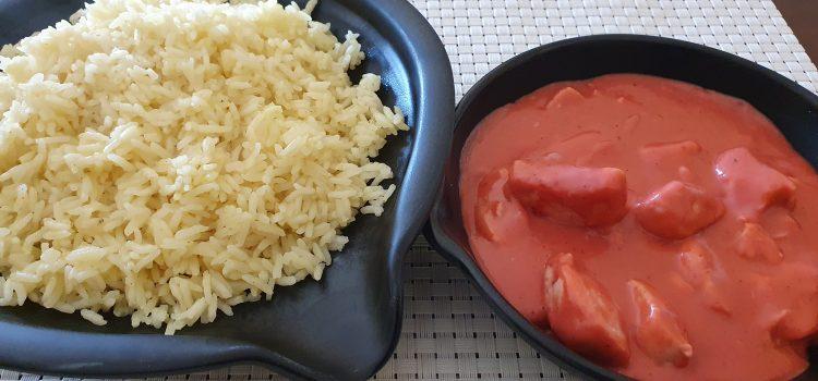 Pollo en salsa tandori, coco y anarcados